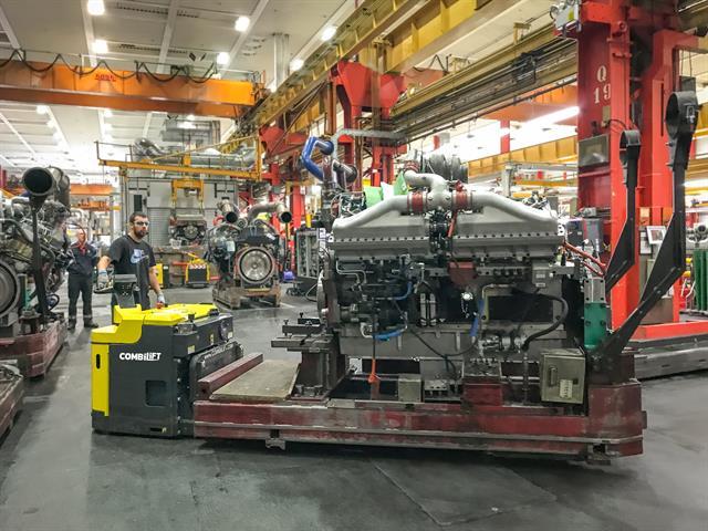 сопровождаемая электротележка Combilift на заводе Cummins